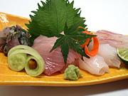 刺身 ヨコ・アジのたたき・アオリイカ・鯛
